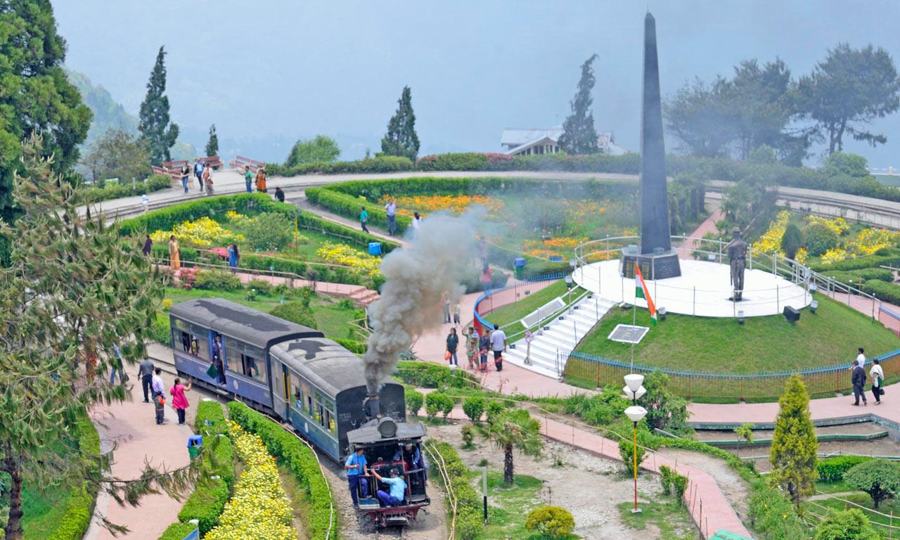 Batasia_Loop_Darjeeling.jpg