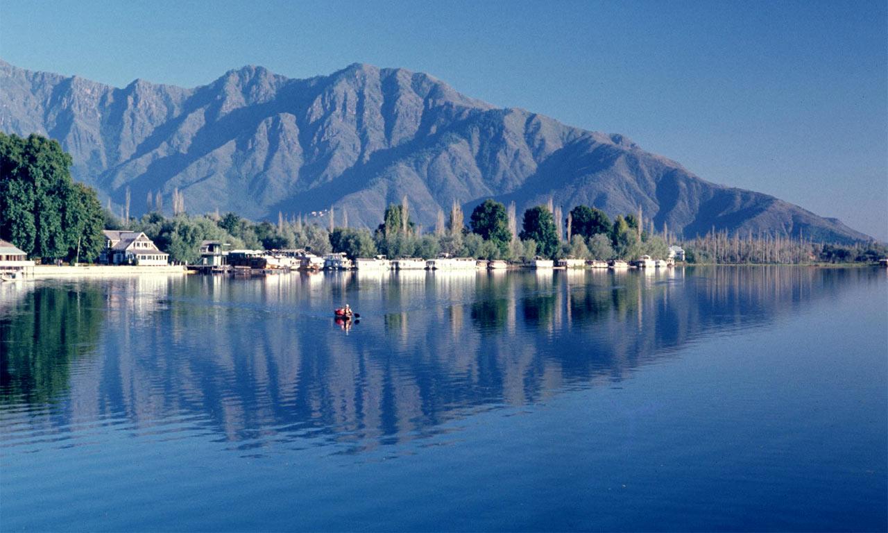 Dal_Lake_In-Srinagar.jpg