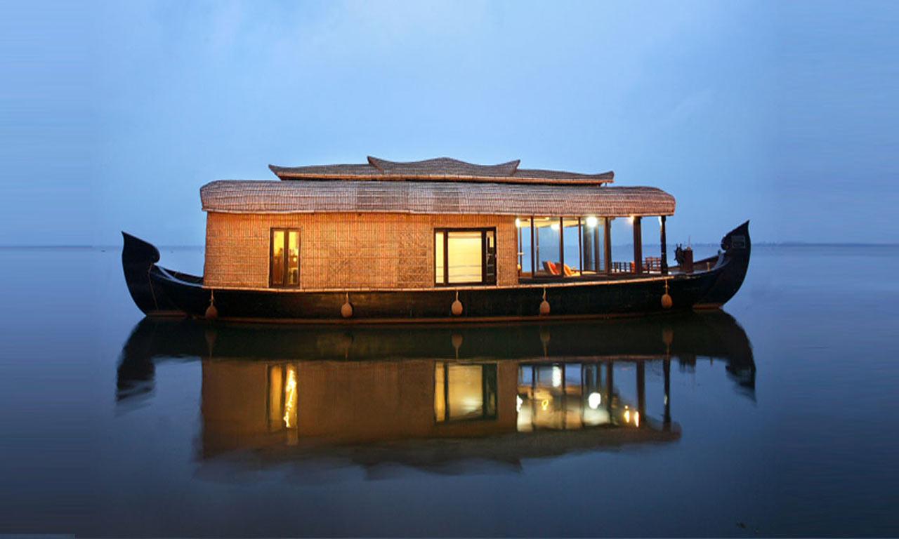 Kerala_Houseboat.jpg