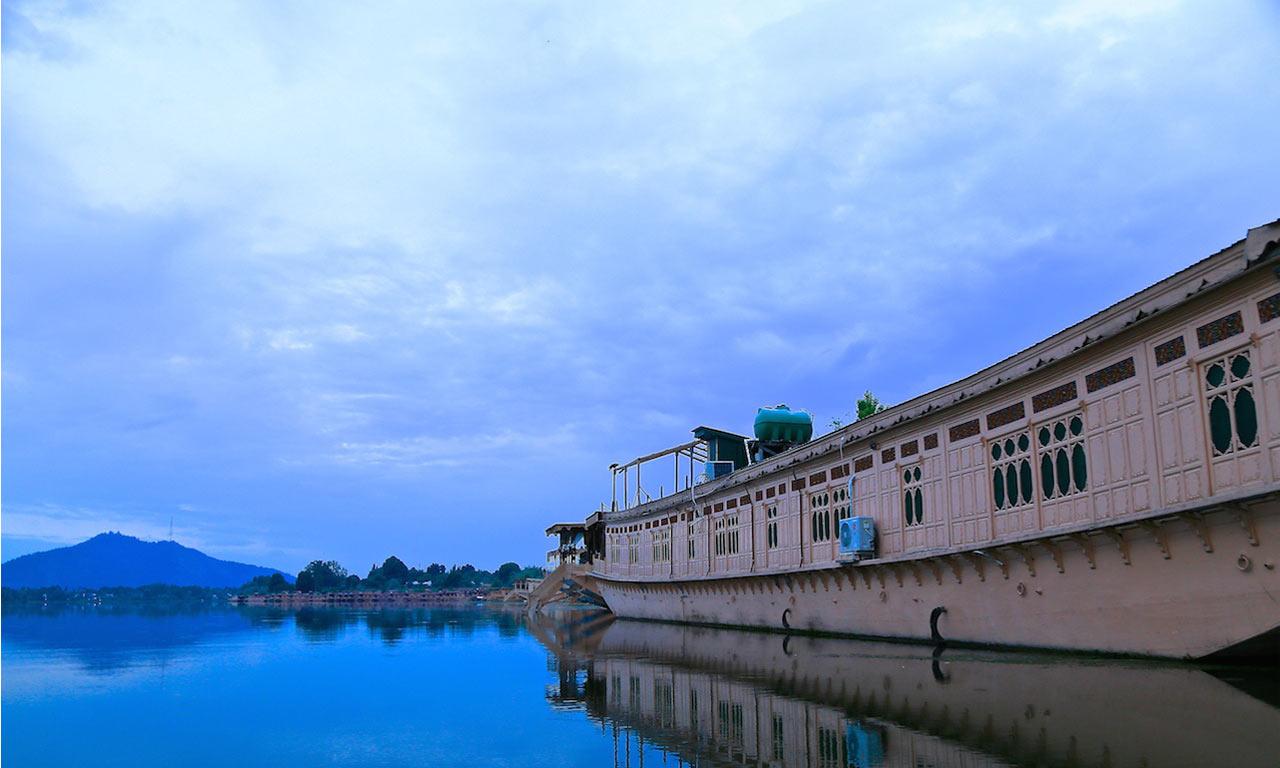 Nagin_Lake_Srinagar.jpg