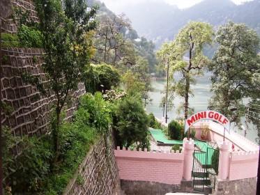 Himalaya_Mini_Golf.jpg